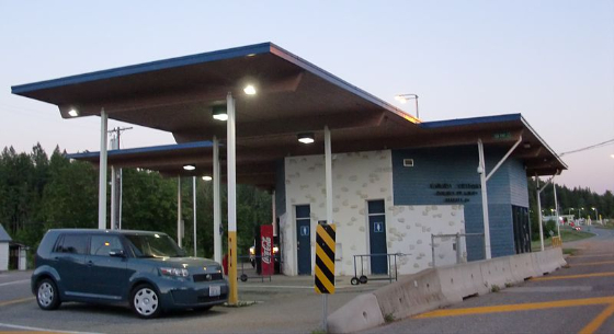 canadian border checkpoint station