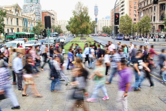 crowded city corsswalk